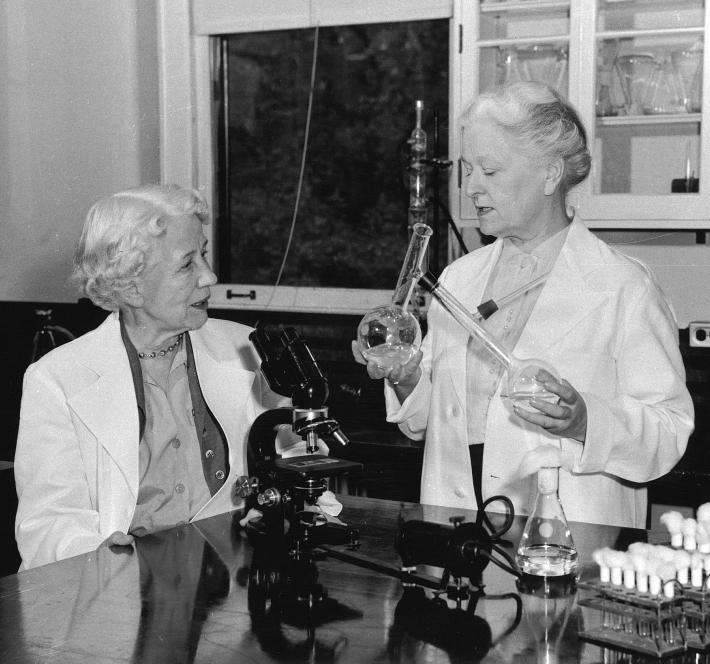 Elizabeth Hazen and Rachel Brown (Smithsonian Institution Archives)